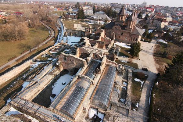 curtea-domneasca-targoviste-aerial-view_600x400