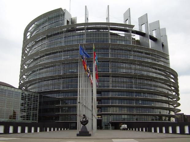 Parlamentul UE solicită măsuri suplimentare pentru a salva turismul în UE
