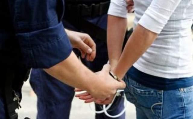 Un bărbat din Iedera, prins după ce a dat mai multe spargeri în Moreni