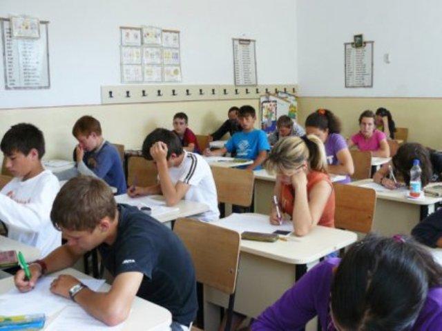 incepe-evaluarea-elevilor-de-clasa-aviii-a-434x326