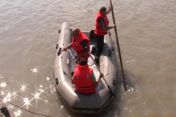 PUCIOASA: Fetiță de 7 ani, dispărută în apele Ialomiței