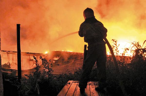 Intervenție extrem de dificilă a pompierilor, în Valea Leurzii. Drumul este impracticabil pentru autospecială