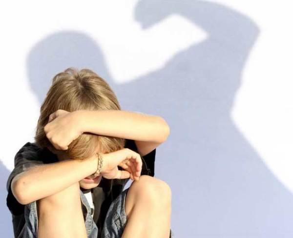 copil-abuzat111-shutterstoc