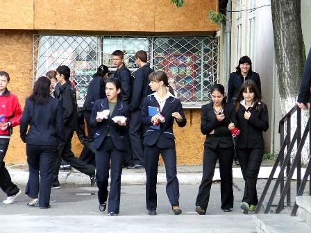 elevi-de-la-liceul-din-slobozia