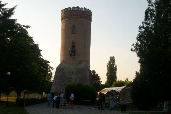 Turnul Chindia, închis pentru vizitatori. Vezi motivul :