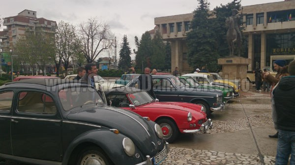 Titu: Parada mașinilor de epocă are loc duminică