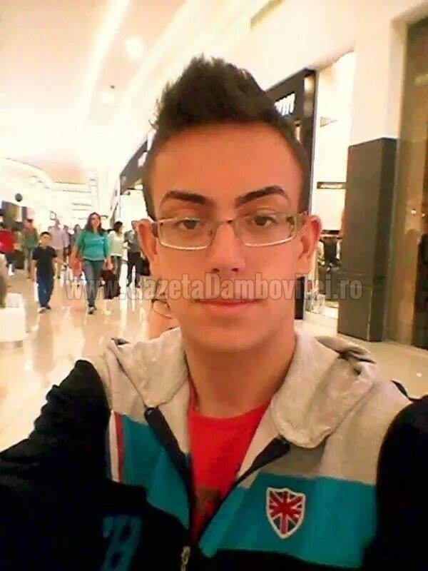 ELEVI DE EXCEPŢIE, DE LA CITITORI: Alexandru Florin Ciuculete, regizor la 15 ani