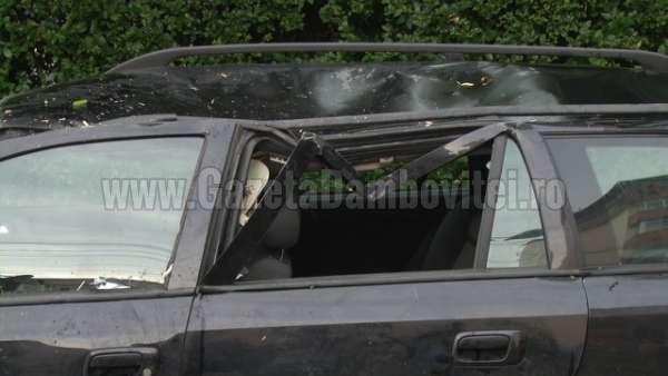 acoperis cazut peste o masina la targoviste (3)_600x338