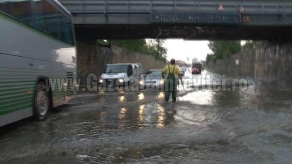 inundatii pasaj romlux targoviste (2)