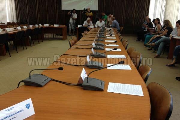 Fondurile publice sunt motivul lipsei PDL și PNL de la ședința Consiliului Județean