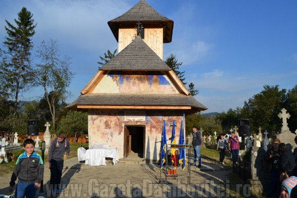 biserica-oncesti-voinesti-voronet-dambovita (24)