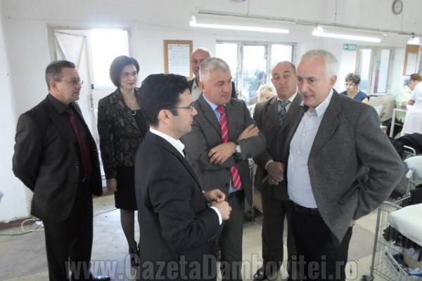 Adrian Ţuţuianu, explicaţii cu privire la vizita ministrului Pricopie la care presa nu a fost invitată