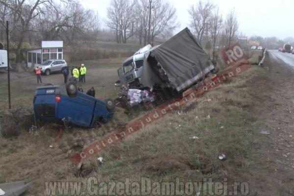 FOTO - 14 mașini implicate în tamponări în lanț, din cauza poleiului, pe DN 72!