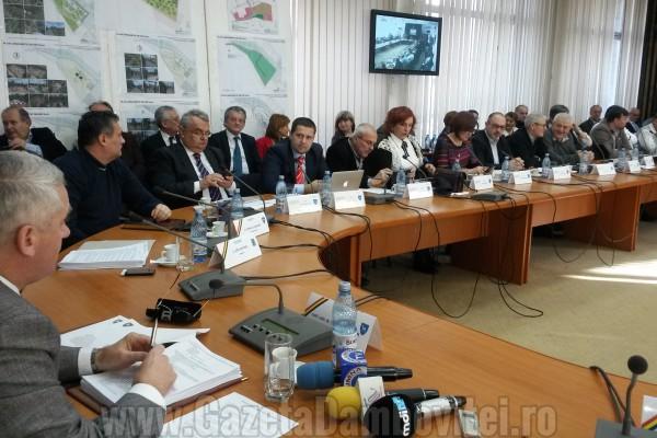 Moment de linişte în Consiliu Judeţean Dâmboviţa, în amintirea lui Victor Sanda