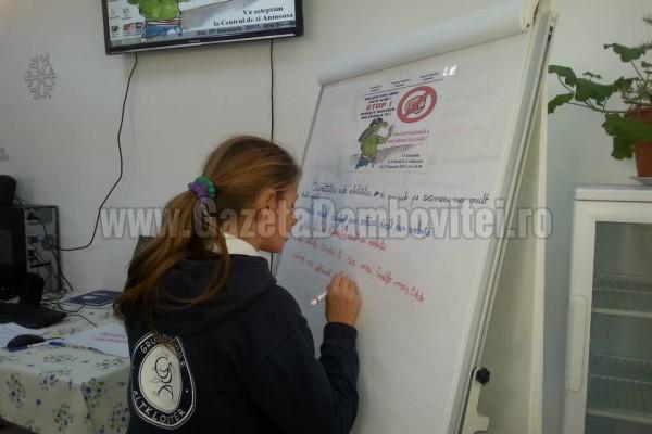 """""""Ziua Internaţională a Nonviolenţei în Şcoală"""",  la Aninoasa (FOTO)"""