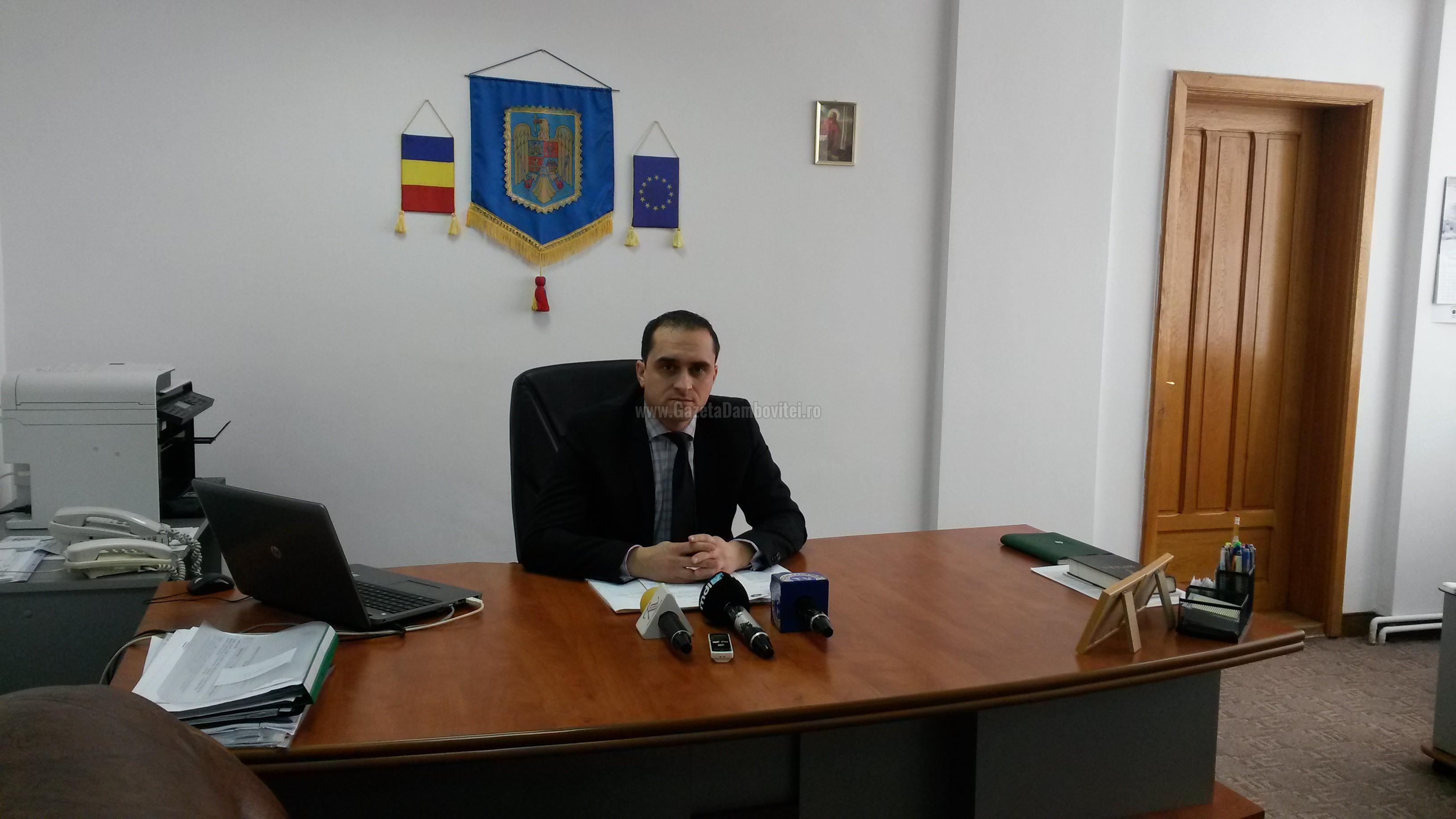DÂMBOVIȚA: O treime din angajatorii mari folosesc telemunca, restul optând pentru decalarea programului