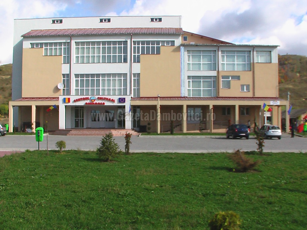 Centrul de vaccinare, la Aninoasa: Cu ce probleme se confruntă autoritățile comunale la înființarea centrelor