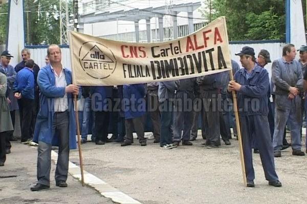 Moreni: Miting de protest la Automecanica! Ministerul Apărării, duşmanul uzinei!