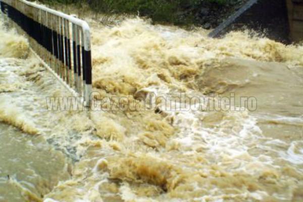 Cod Galben de inundaţii pe Neajlov! Ialomiţa şi Argeş ies de sub avertizare