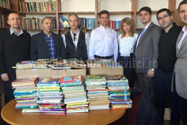 Rotary Club Târgoviște continuă donațiile de carte