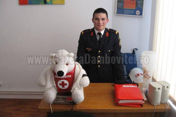"""POVESTE DE VOLUNTARIAT: Marius Croitor, """"soldățelul"""" de la Crucea Roșie"""