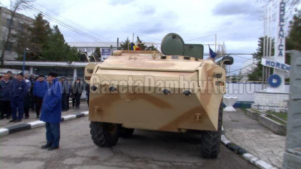 Sindicatele din industria de apărare cer intrarea în fabricaţie a transportoarelor de luptă româneşti