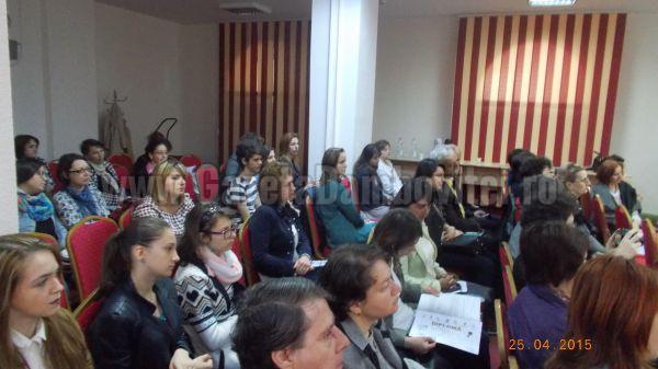 """Simpozionul """"Competențele cheie, fundament al dezvoltării personale"""", organizat de Școala Mihai Viteazul"""