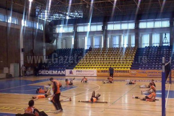 VOLEI: Înfrângere pentru CSM Târgovişte în primul meci din finala campionatului