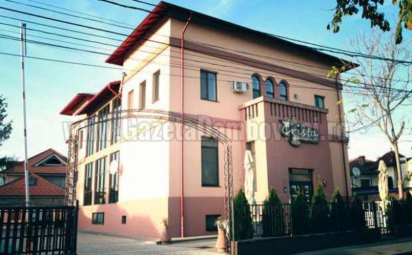 Vrei un loc de muncă în Târgoviște? Vezi oferta Restaurant Crista