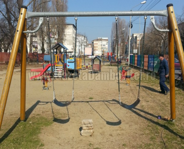 loc de joaca strada vasile voiculescu (1)