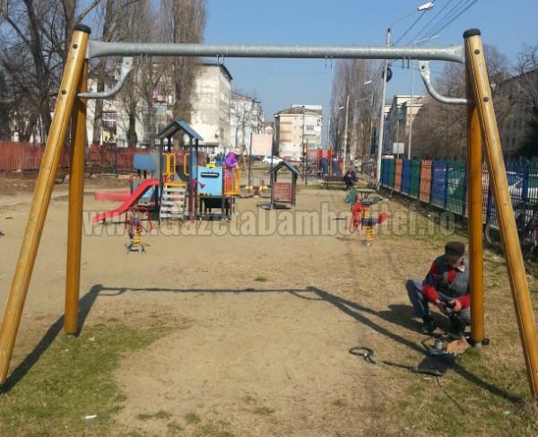 loc de joaca strada vasile voiculescu (2)