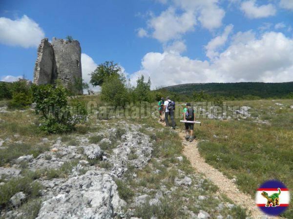 7.Cetatea de la poalele muntelui