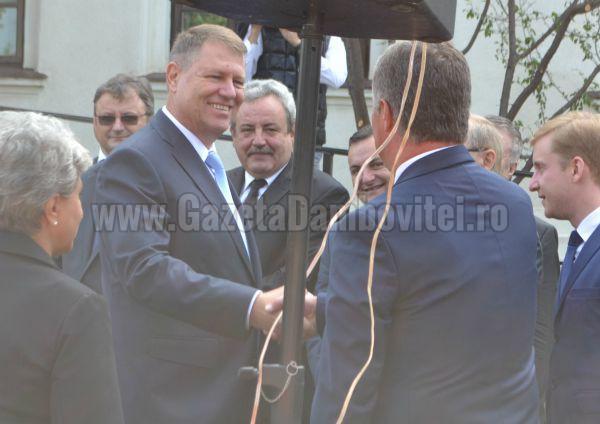 """Reproşurile pe care târgoviştenii i le aduc lui Iohannis… """"E neamţ şi nu e ortodox"""". Ce spune PNL"""
