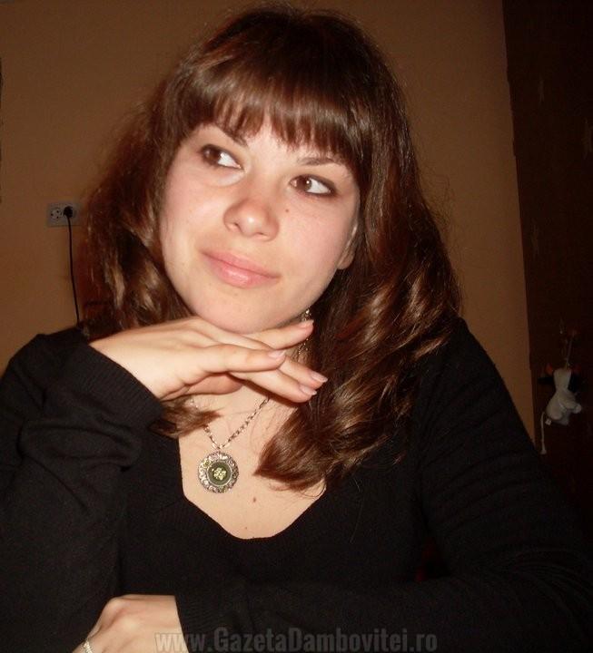 Povestea tinerei inginer din Dâmbovița care confecționează mărțisoare şi bijuterii pe comandă