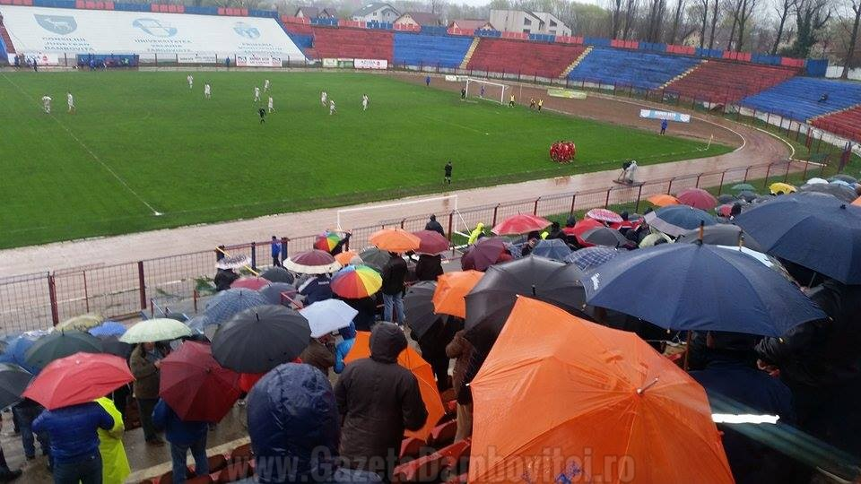 FOTBAL: Live text Chindia Târgovişte - UTA Arad (3-0)  |Uta Arad-chindia Târgoviște