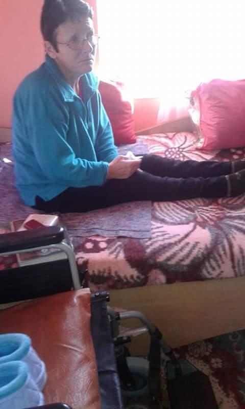Doamna Maria din Râncaciov este paralizată. Locuieşte doar cu mama. A fost ajutată cu alimente şi o sobă pentru baie.