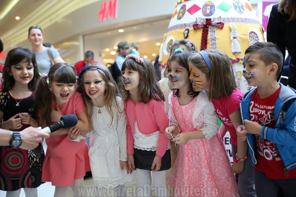 Lansarea expozitiei_Sa decoram mall-ul impreuna_Ploiesti Shopping City (5)