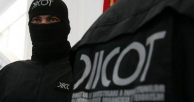 Grup infracțional organizat specializat în obținerea ilegală de permise de conducere cu ramificații și în Dâmbovița, a fost destructurat de DIICOT