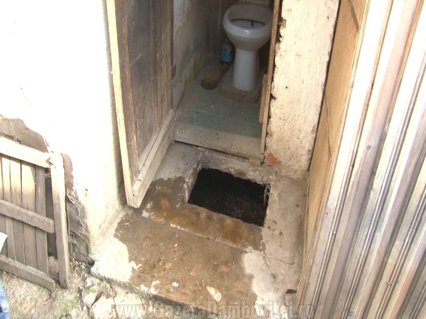 wc pucioasa (1)