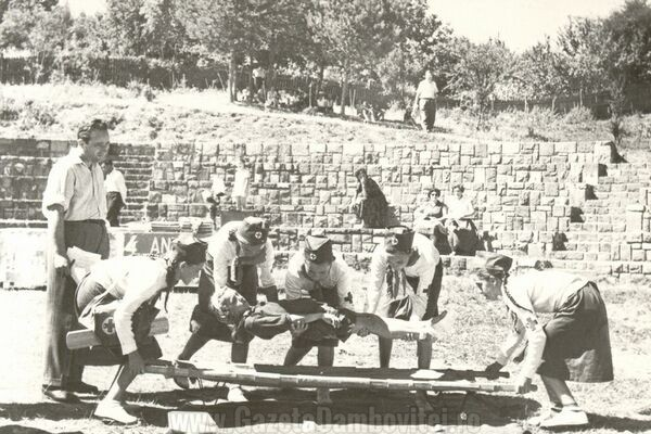 Exercitii ale Crucii Roșii - 1935, FOTO: agerpres.ro