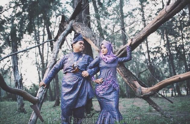 Malaezia + mulți oameni joacă nunta în conformitate cu canoanele Islamului . Mirese aleg de multe ori nuanțe de violet violet sau , uneori, cremă .