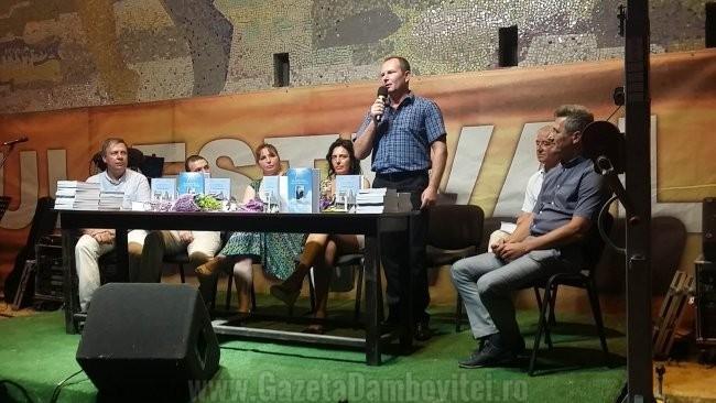 """Lansarea volumului: """"În amintirea unui istoric român – Nicolae Ciachir"""" în cadrul Târgului estival de carte de la Mangalia"""