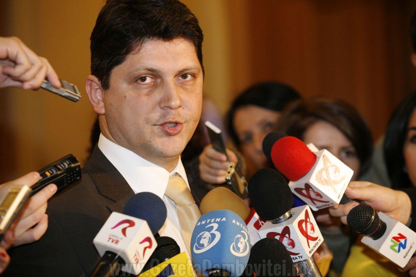 Agenda parlamentară: Standard & Poor's reconfirmă ratingul de perspectivă stabilă al României, anunță departamentul  coordonat de senatorul Corlățean