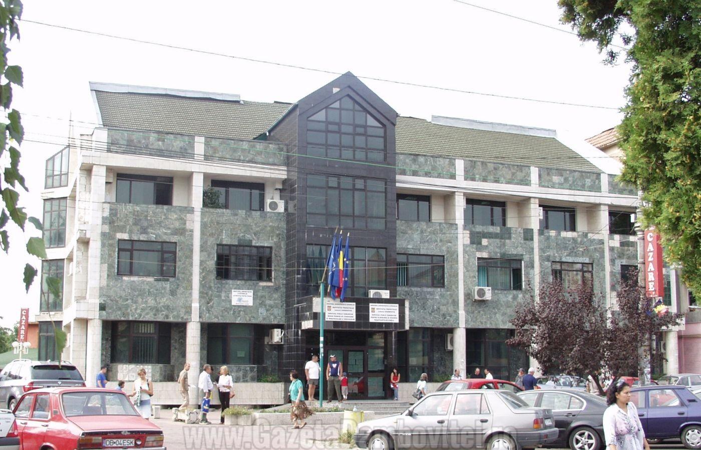 Serviciul public comunitar regim permise de conducere și înmatriculări a vehiculelor își schimbă sediul