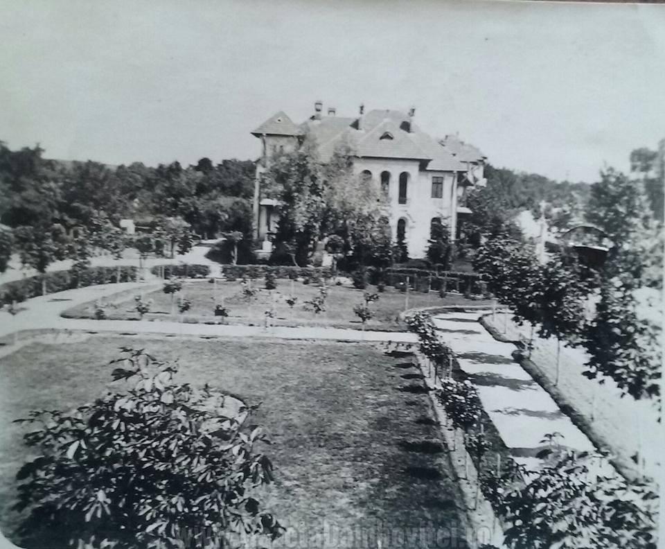 Grădina şi locuinţele-ofiţerilor