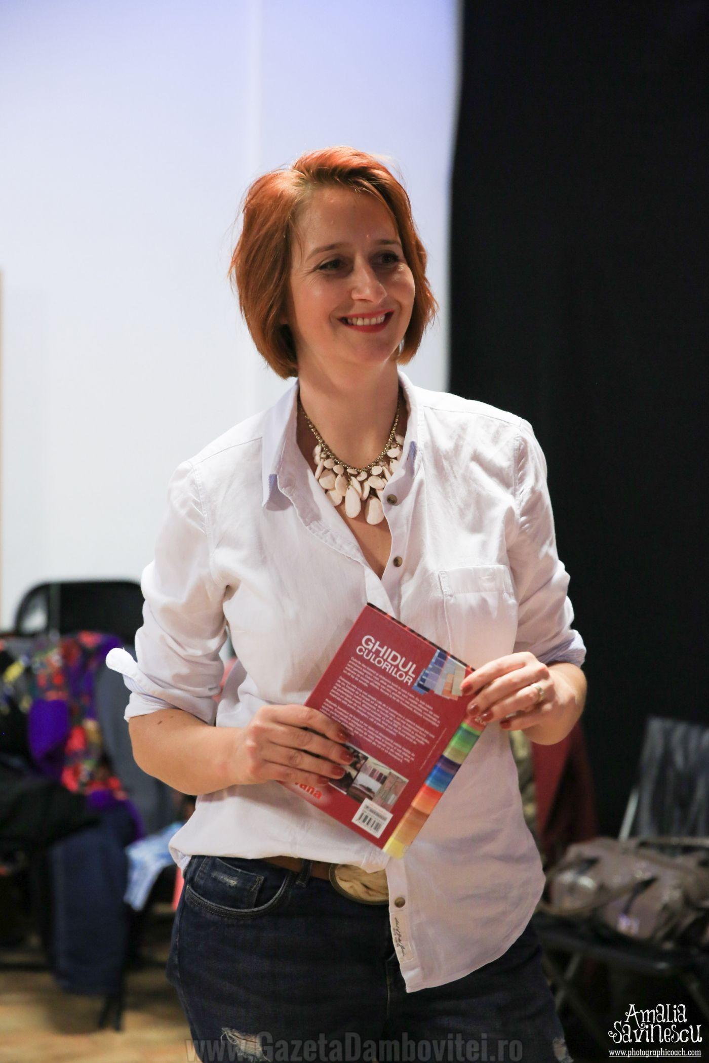 Laura-Miu-Scoala-de-fete-fotogenice-2799