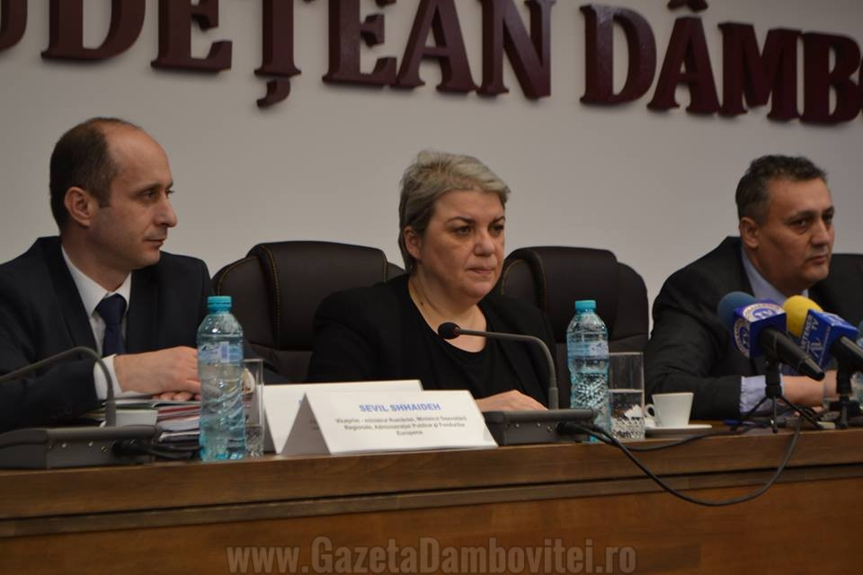 """Sevil Shhaideh, la Târgoviște: """"Alocarea financiară depinde de calitatea proiectelor pe care primarii le vor depune"""""""