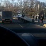 MORENI: Un tânăr s-a răsturnat cu maşina în Schela Mare