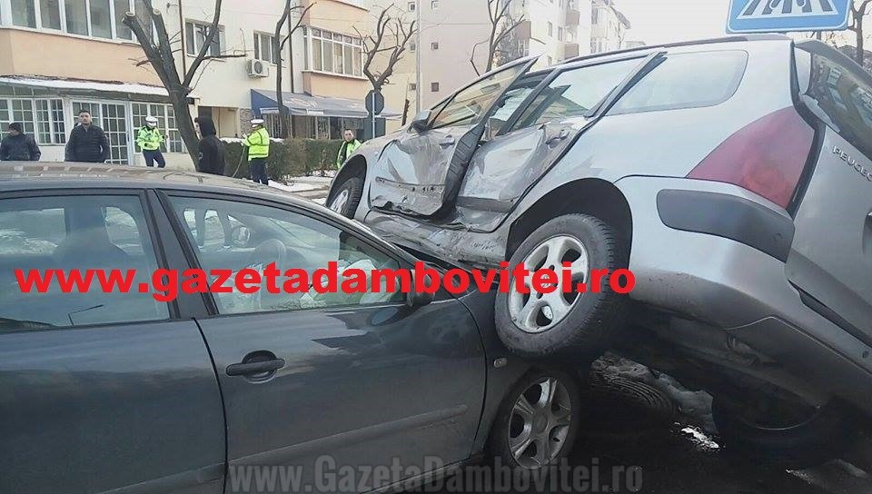 TÂRGOVIȘTE: Accident în microraionul XI, pe fondul neacordării de prioritate