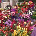 De Valentine's Day, poliţiştii au amendat 4 comercianţi de flori din 6 controlaţi şi au confiscat 1300 de flori